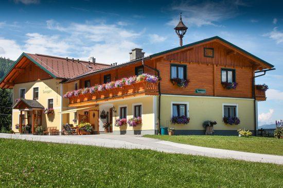 Appartements für Ihren Sommerurlaub im Haus in Ennstal, nahe Schladming - Haus Taxegger